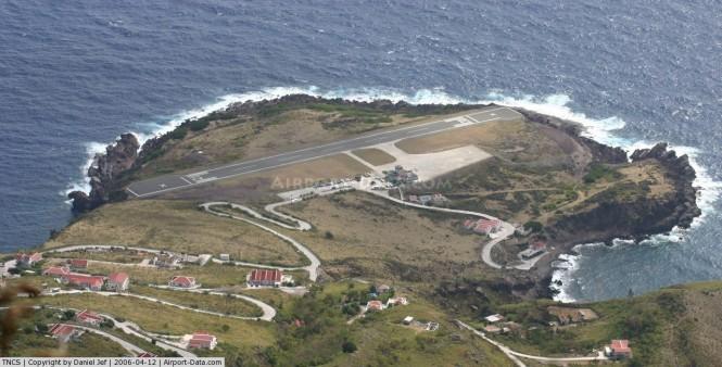 Juancho-E.-Yrausquin-Airport1
