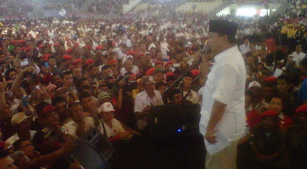 Prabowo Bela Jokowi