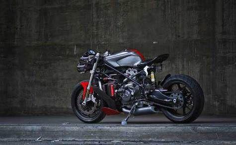 Ducati Telanjang Bulat part 1