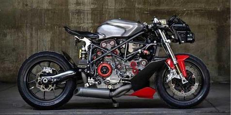 Ducati Telanjang Bulat