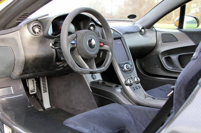 interior mclaren P1