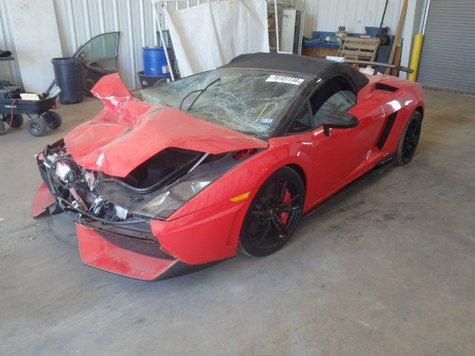 Mobil Lamborghini Gallardio rusak