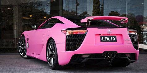 Lexus Pink Buat Wanita belakang
